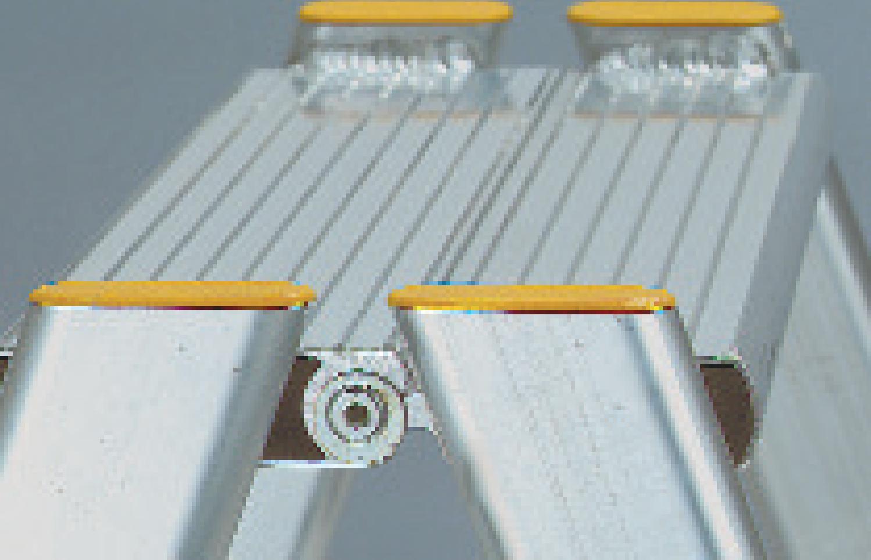 integrovaný patentvaný kĺb dvojitého rebríka 58