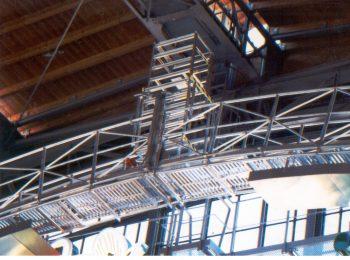 Oblúkové premostenie pod strechou
